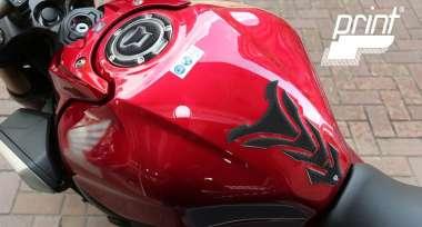 Ochrana nádrže motocyklu díky tankpadům